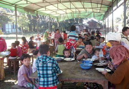 Internally displaced persons taking shelter at local religious buildings in Mohnyin Township. Photo: GNLM-001