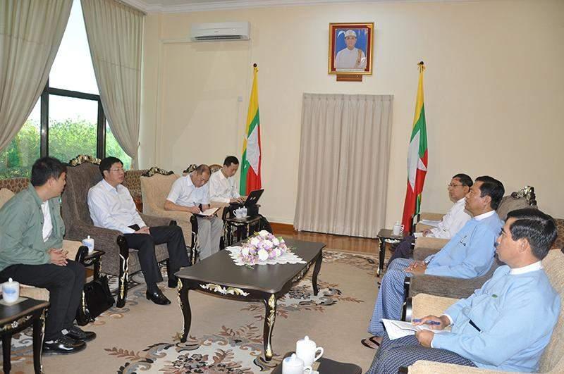 Meeting between Union Minister U Maung Myint and Mr Wang Guangjun, Vice Chairman of CATIC Beijing Co Ltd. Photo: MNA