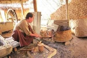 A blacksmith prepares for making a knife. Photo: Pho Chan (Monywa)
