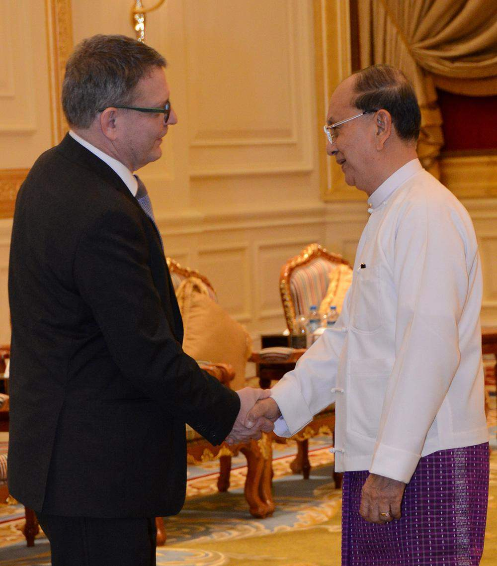 President U Thein Sein welcomes Mr Lubomir Zaoralek, Minister of Foreign Affairs of the Czech Republic at the Presidential Palace in Nay Pyi Taw. Photo: MNA