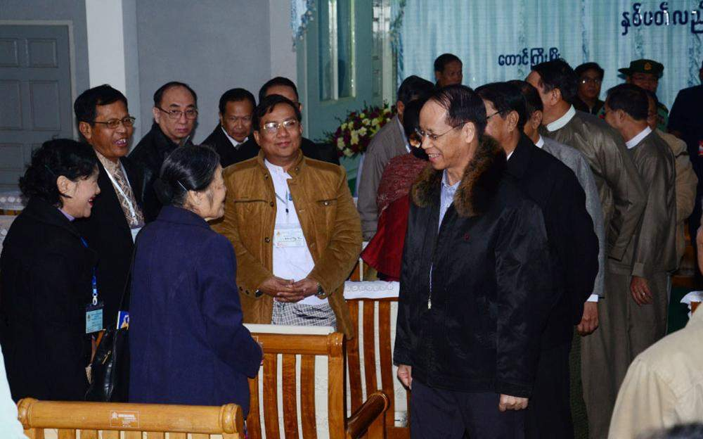 Vice President Dr Sai Mauk Kham greets attendees of 16th annual conference of the Myanmar Medical Association in Taunggyi. Photo: MNA