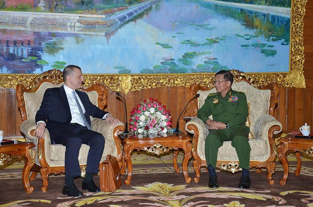 Senior General Min Aung Hlaing hold talks with Ambassador of Turkey to Myanmar Mr Murat Yavuz Ates. Photo: Myawady