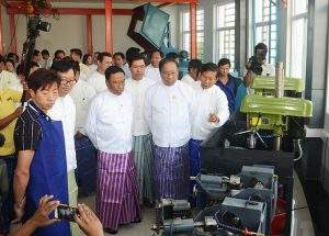 Union Minister Dr Myint Aung visits the newly opened Gems Training Centre. Photo: MNA