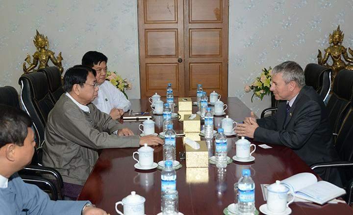 Union Minister Dr Pe Myint holds talks with Israeli Ambassador to Myanmar Mr Daniel Zonshine.