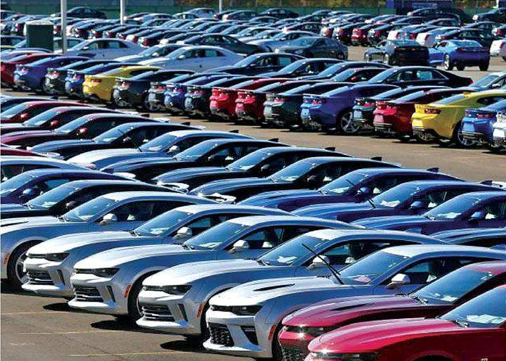 New Hyundai 2016 model sell cars being seen.