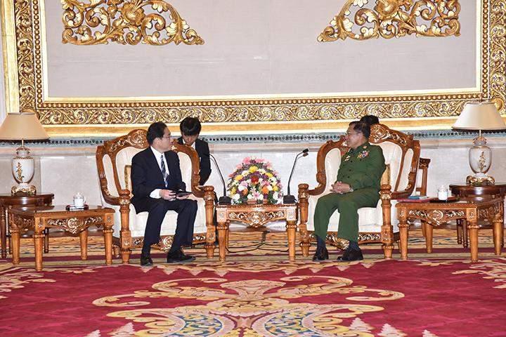 Senior General Min Aung Hlaing receives Japanese Foreign Minister Mr Fumio Kishida.