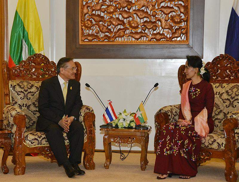 Union Minister for Foreign Affairs Daw Aung San Suu Kyi holds talks with her Thailand counterpart Mr. Don Pramudwinai. Photo: MNA