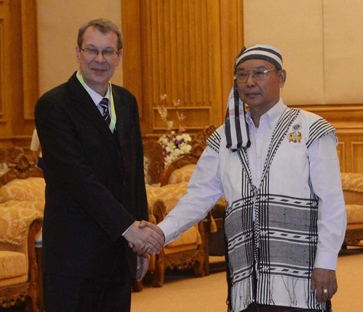 Pyidaungsu Hluttaw Speaker Mahn Win Khaing Than receiving  Russian Ambassador.