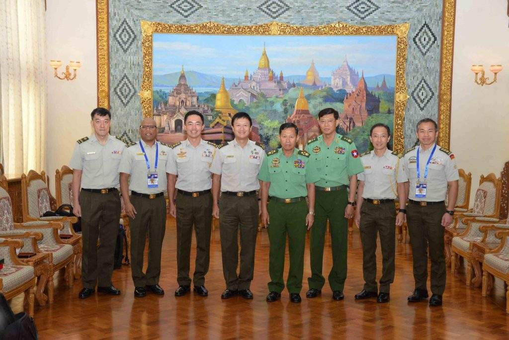 Commander-in-Chief (Army) Vice Senior General Soe Win receives Brigadier General Ong Tze-Ch'in, Director of Military Intelligence of Singapore at Bayintnaung Yeiktha in Nay Pyi Taw. Photo: MNA