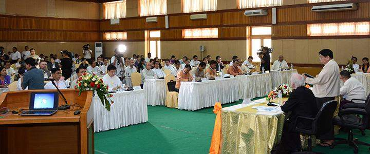 Union Minister for Information Dr Pe Myint speaking at a seminar to amend the Broadcasting Media Law.