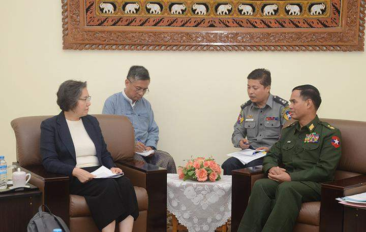 UN Special Rapporteur holds talks with Deputy Minister for Home Affairs Maj-Gen Aung Soe.