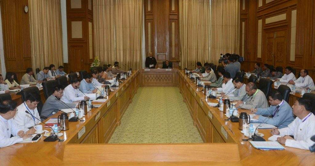 Speakers Mahn Win Khaing Than and U Win Myint co-chair the meeting of central committee and work committees for holding second Hluttaws. Photo: MNA