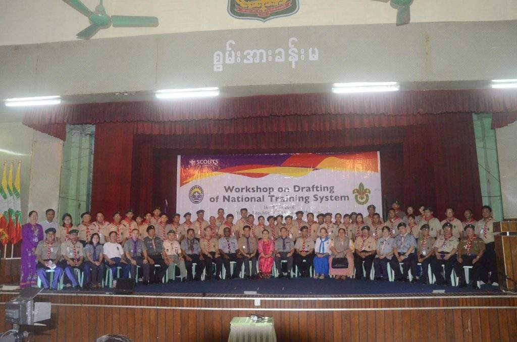 Scouts posing for a group photo after the workshop. Photo: Ko Latt (MNA)