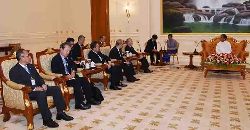 Vice-President U Henry Van Thio receives Japanese delegation led by Ambassador Mr. Tateshi Higuchi and Mr. Hiroaki Nakanishi, Chairman of the Board and Chief Executive Officer of Hitachi. Photo: MNA