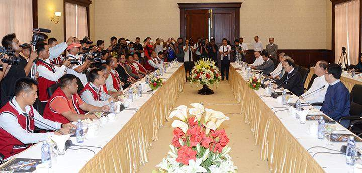 Peace Commission, chaired by Dr Tin Myo Win, meeting members of United Wa State Party in Nay Pyi Taw.