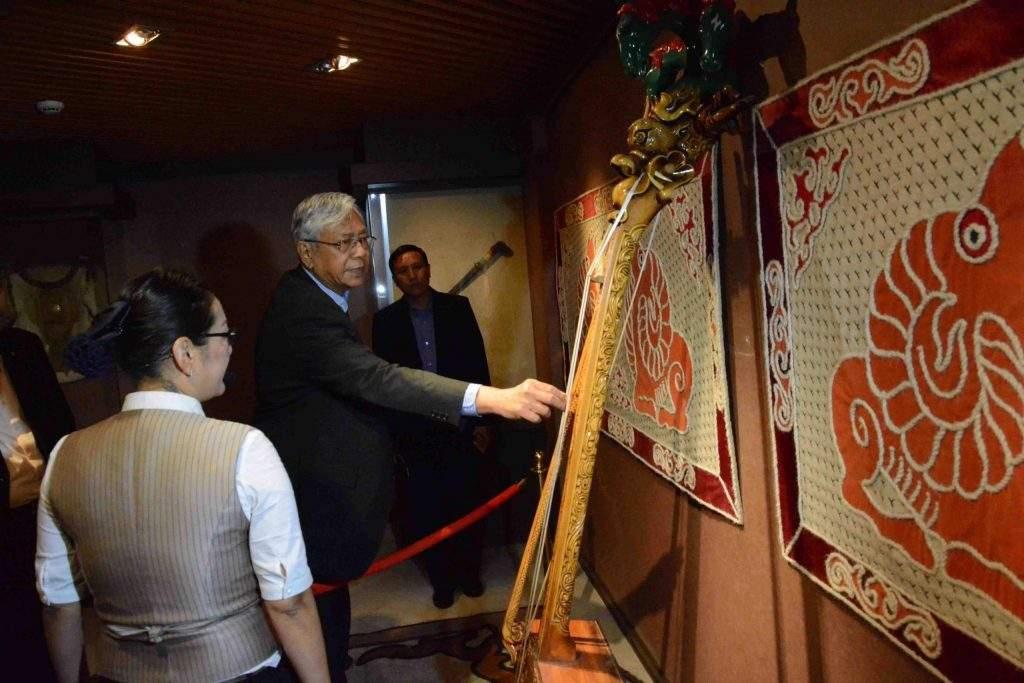 President U Htin Kyaw visits a museum in Genghis Khan Statue Complex. Photo: MNA