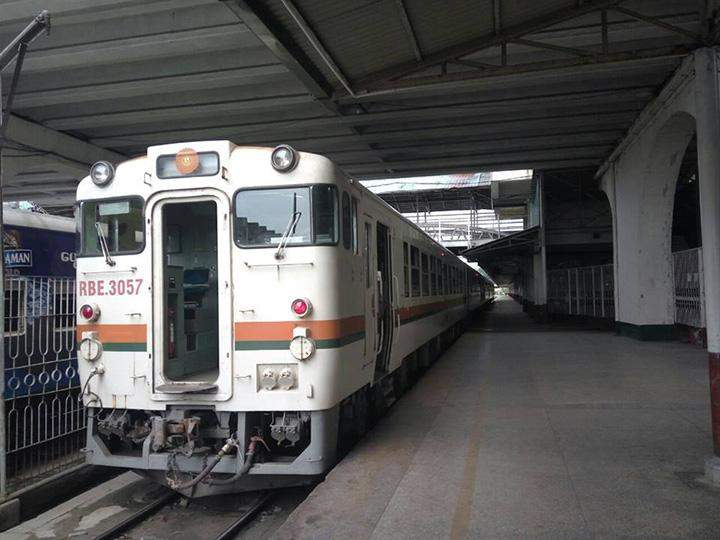 One of the new RBE coaches which will run between Taikkyi and Insein stations this month being seen.