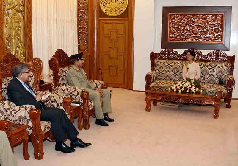 Union Minister for Foreign Affairs Daw Aung San Suu Kyi meets General Rashad Mahmood, Joint Chiefs of Staff Committee of the Islamic Republic of Pakistan. Photo: MNA