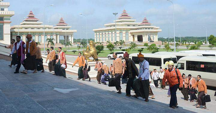 MPs arrive to attend the Pyithu Hluttaw meeting.