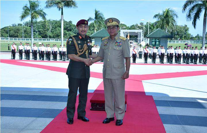 Senior General being seen at the ceremony to receive Honour Guard.