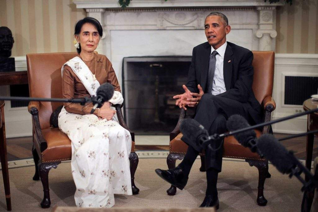 State Counsellor Daw Aung San Suu Kyi meets with US President Barack Obama at the Oval Office of the White House in Washington, DC, US September 14, 2016. Photo: Reuters