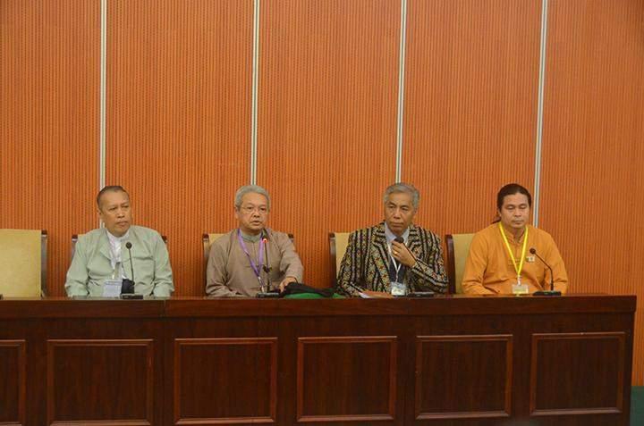 U Hla Maung Shwe, Lt-Gen Khin Zaw Oo(Rtd), Dr Salai Lian Hmung Sakhong and Sai Kyaw Nyunt (from left to Right).