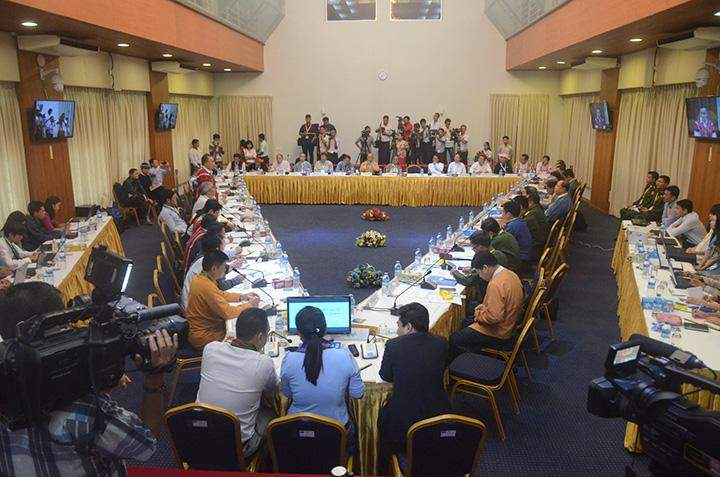 Peace makers discuss at 5th meeting on reviewing the framework for political dialogues.
