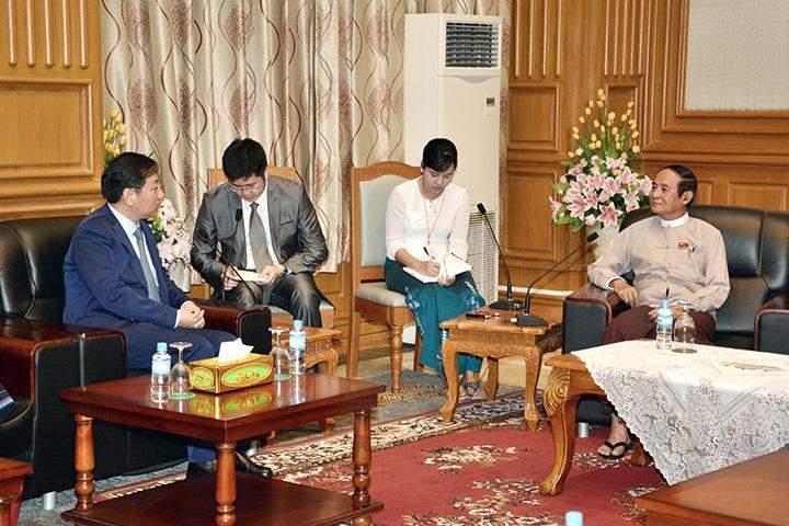 Speaker U Win Myint receives Chinese Ambassador to Myanmar Mr. Hong Lian in Nay Pyi Taw.