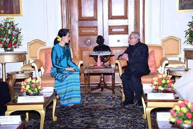 Daw Aung San Suu Kyi calls on Indian President Pranab Mrkherjee. Photo: MNA