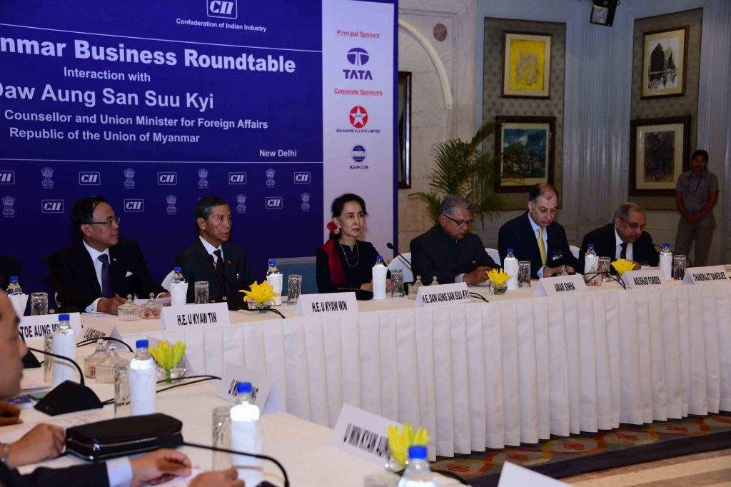 State Counsellor Daw Aung San Suu Kyi giving talks at the Business Roundtable in New Delhi. Photo: MNA