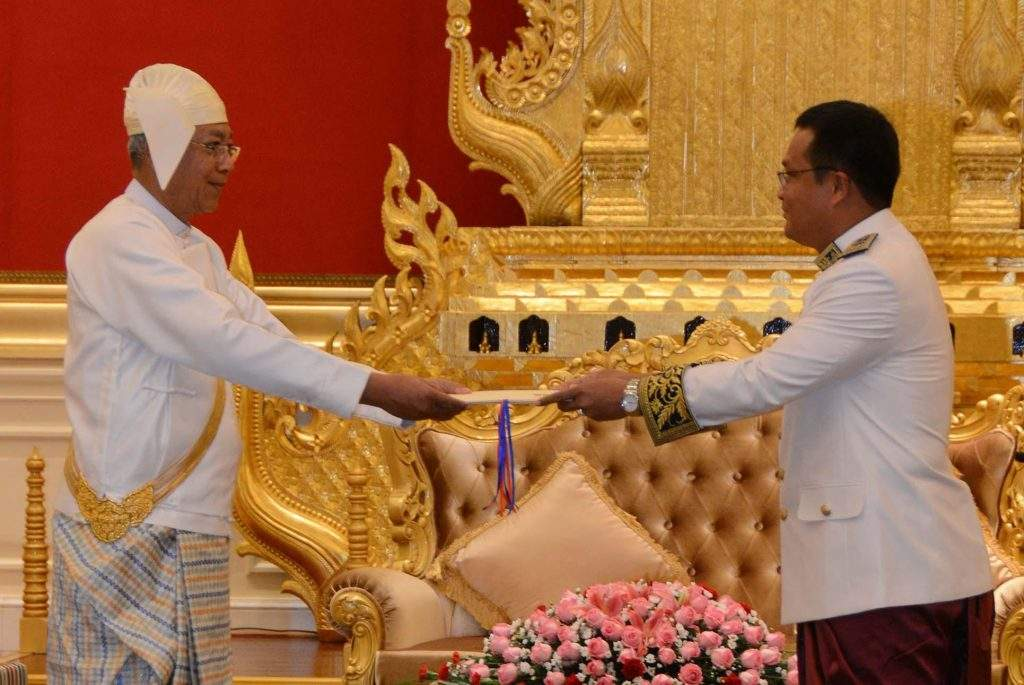 President U Htin Kyaw accepting credentials of H.E. Mr. SOK Chea, the newly accredited Ambassador of the Kingdom of Cambodia in Nay Pyi Taw. Photo: MNA