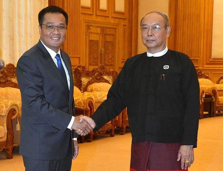 Amyotha Hluttaw Speaker Mahn Win Khaing Than receiving the Cambodia Ambassador.