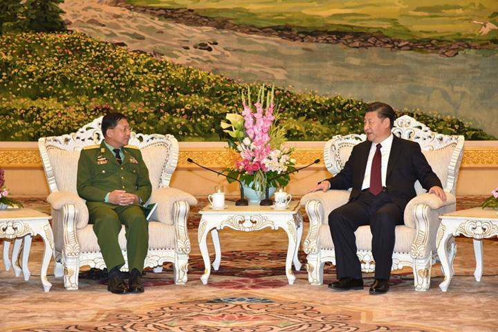 Senior General Min Aung Hlaing meets with Chinese President Mr Xi Jinping.