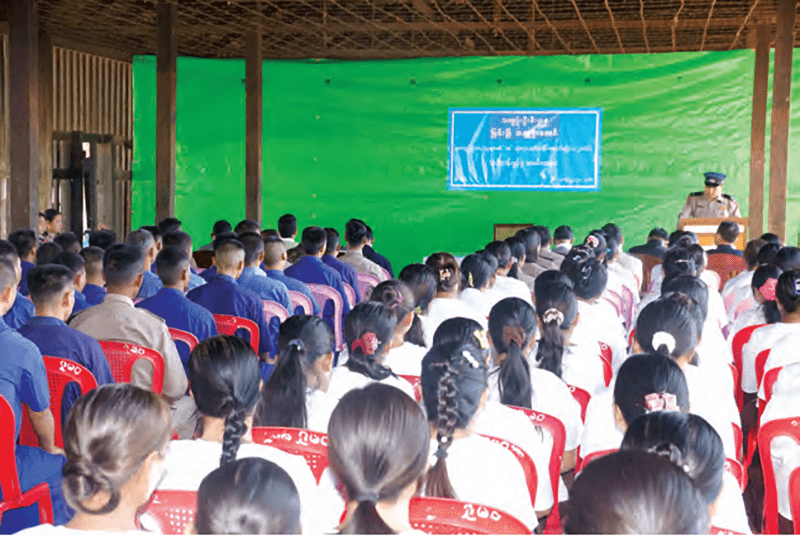 Trainee inmates at the opening ceremony of basic literacy training.