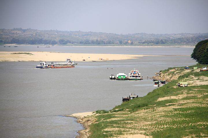 Photo shows an eroded river bank of Ayeyawady River.