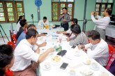 Media, state officials meet in Rakhine