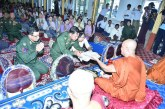 Senior General pays homage to deceased reverend Sayadaw Bhaddanta Sila Vamsa , presiding Sayadaw of Dhamma Rakkhinta