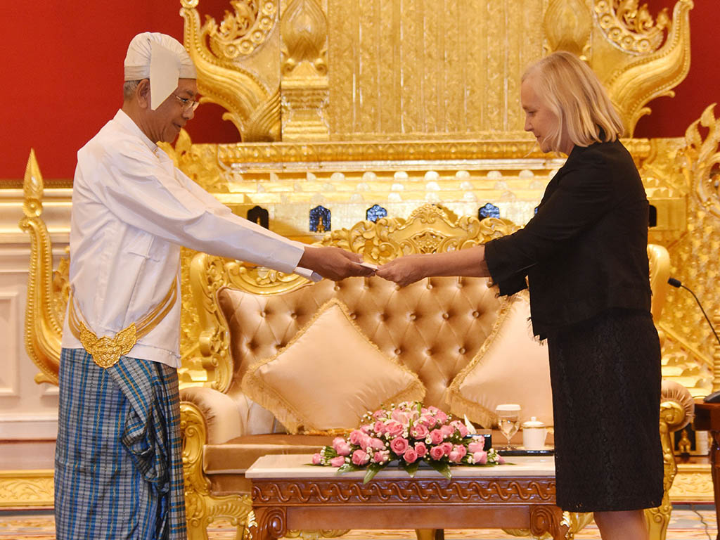 President accepts her credentials from Ms. Riikka Laatu, the newly-accredited Ambassador of Finland to Myanmar.Photo: MNA