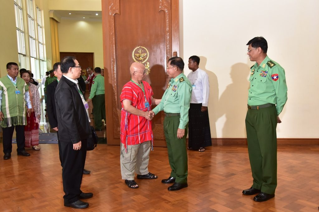 Senior General Min Aung Hlaing shakes hands with Chairman of Karen National Union (KNU) General Saw Mutu Sae Poe at Bayintnaung Guest House in Nay Pyi Taw. Photo: MNA