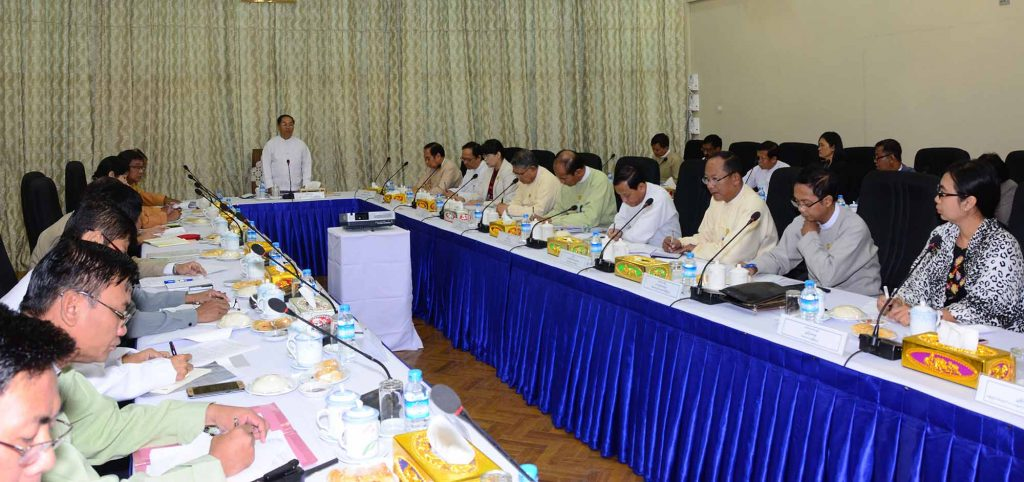 Vice President U Myint Swe addresses the work committees for organizing the18th Myanmar Traditional Medicine Practitioners' Conference  on 21 December 2017. Photo: MNA