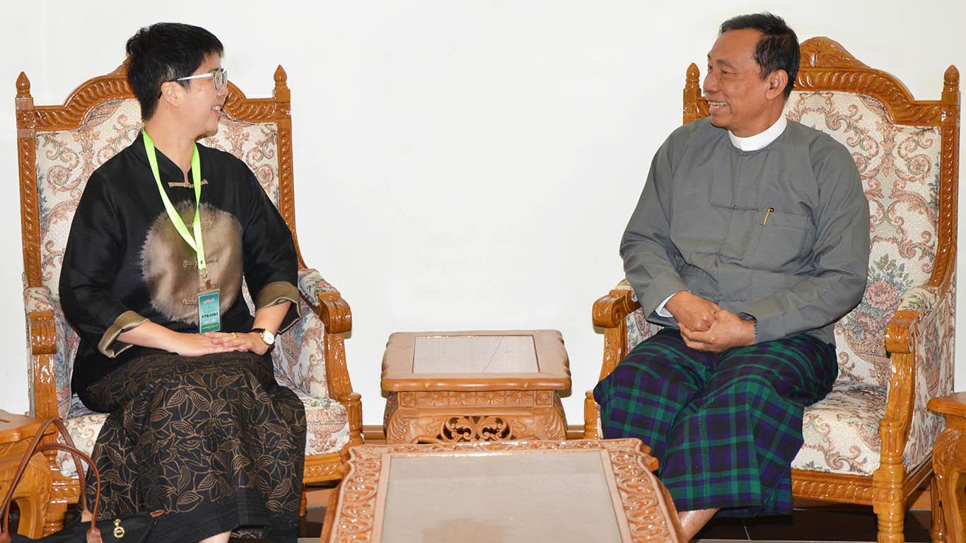 Thura U Shwe Mann meets with Singaporean Ambassador H.E. Ms. Vanessa Chan Yuen Ying in Nay Pyi Taw yesterday.Photo: MNA