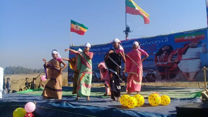 Daingnet people of Rakhine State celebrating their national day commemorative festival with traditional songs, dances and music at Meegyoungswe village in northern Butheedaung Township on 7 January.