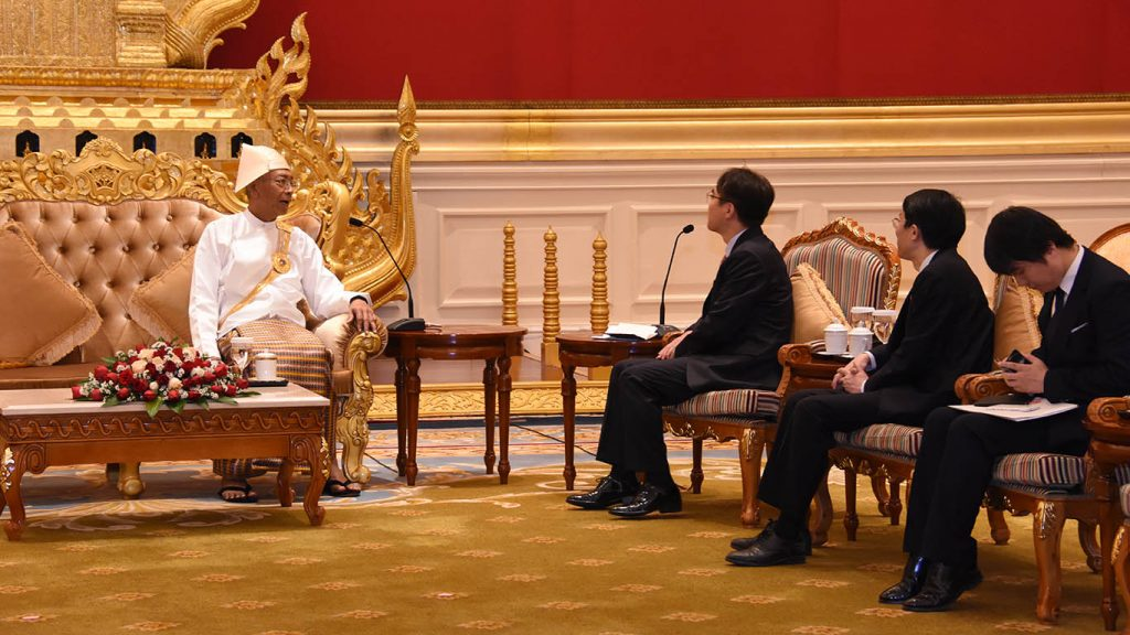 President U Htin Kyaw holds talks with Korean Ambassador Mr. Lee Sang-hwa in Nay Pyi Taw. Photo: MNA