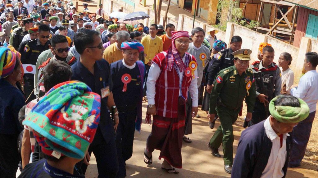 Speaker Mahn Win Khaing Than arrives Hsihseng of Pa'O Self-Administered Zone to open a dam. Photo: Myanmar News Agency