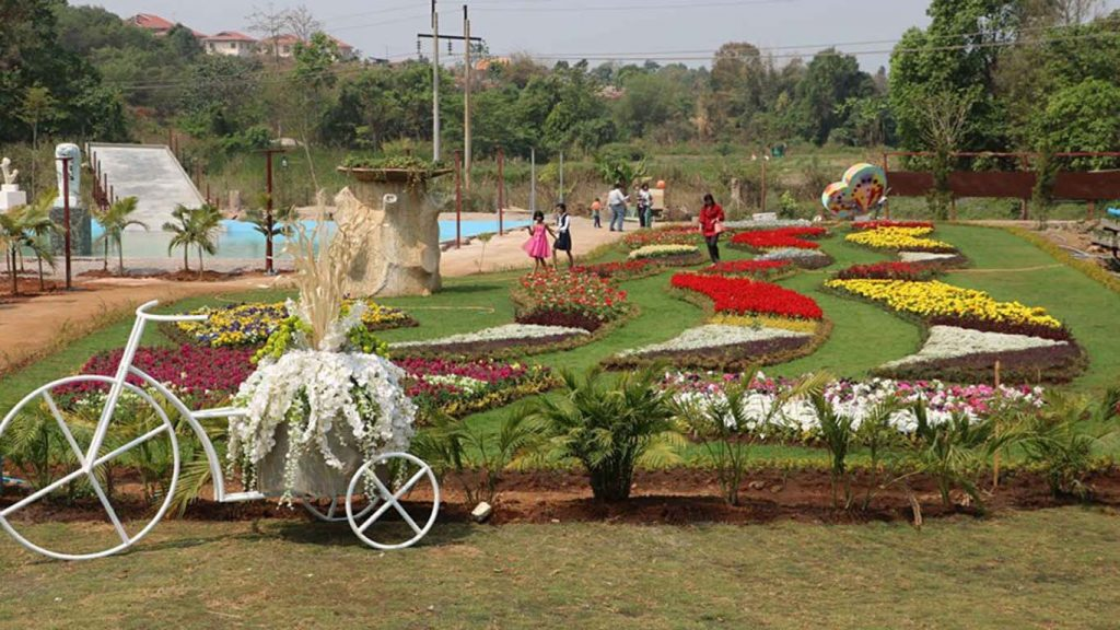 COZY WORLD park in PyinOoLwin, entry free for all of April.  Photo: Min Htet Aung (Mandalay Sub-printing house)