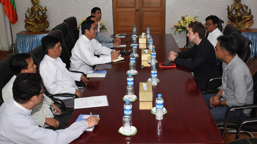 Deputy Minister for Information U Aung Hla Tun (Centre Left) holds talks with Nick Beake, (Centre Right) the Myanmar correspondent for BBC News, at the Ministry of Information in Nay Pyi Taw.Photo: MNA