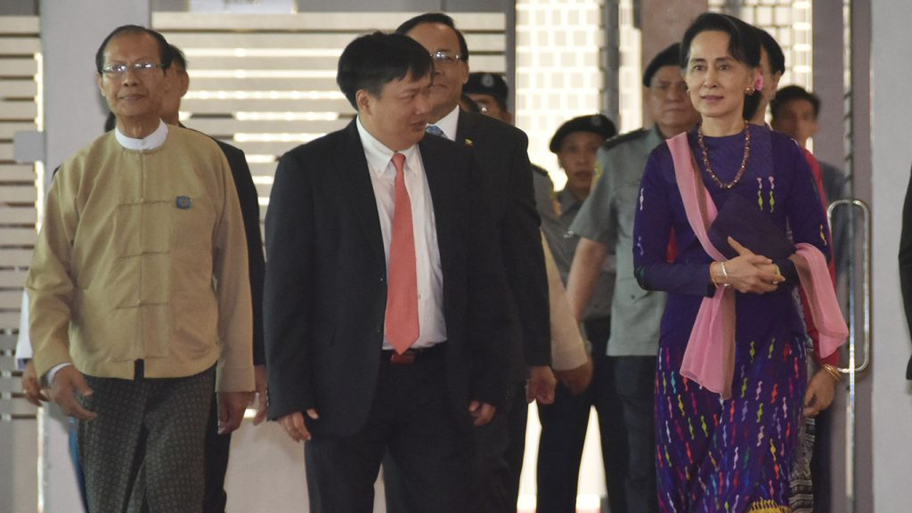 State Counsellor Daw Aung San Suu Kyi (Right) arrives the Nay Pyi Taw International Airport to depart for Viet Nam yesterday.Photo: MNA