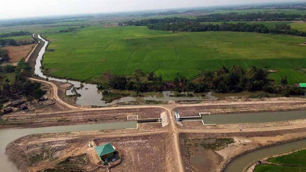 The sluicegates built between the Yway and Pyamalok Rivers will filter out seawater for monsoon and summer paddy cultivation in the Ayeyarwady Region. Photo: MNA