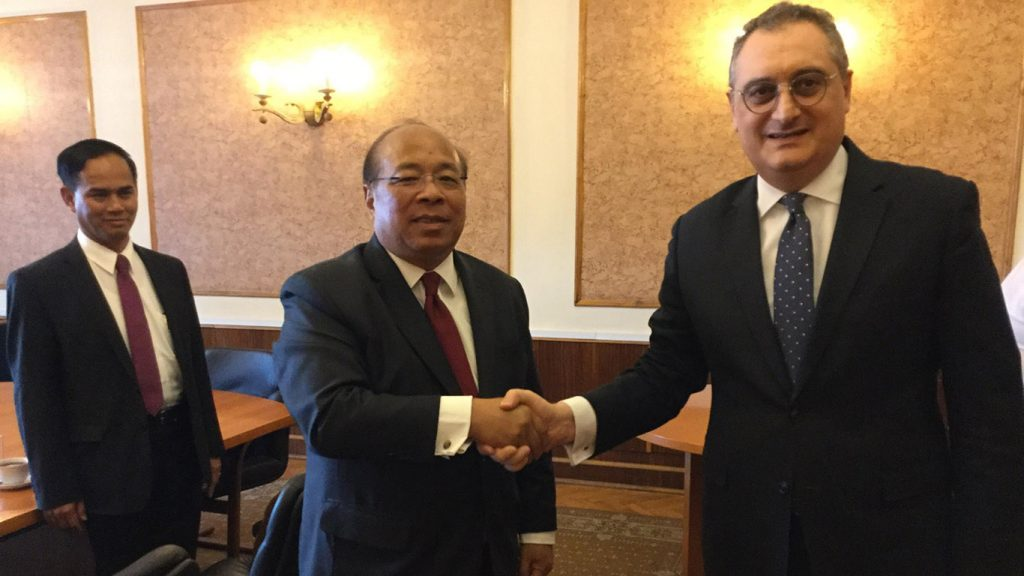 Union Minister U Thaung Tun shakes hands with Russian Deputy Foreign Minister Mr. Igor Morgulov in Moscow. Photo: MNA