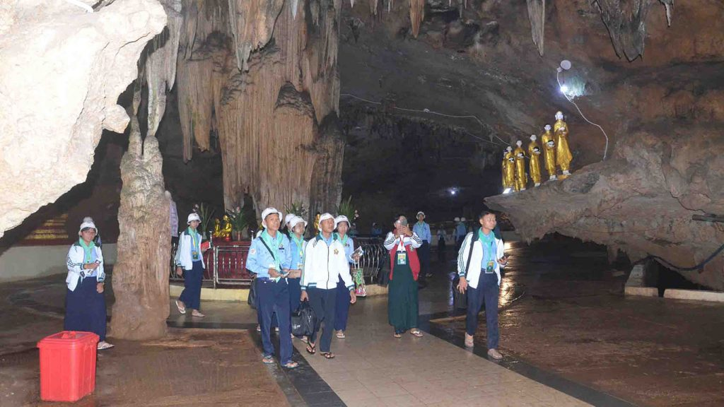 Luyechun students  visit Htan San Cave in Shan State. Photo: MNA
